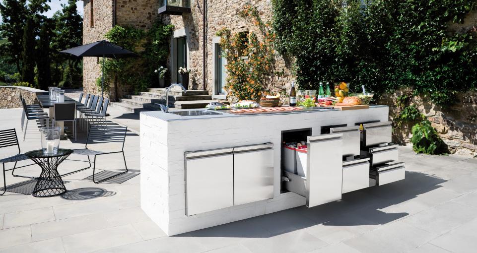 Outdoor Kitchen Accessories: Pictures